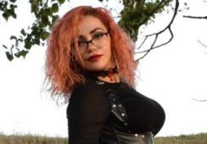 LadyDomX (23 Jahre)